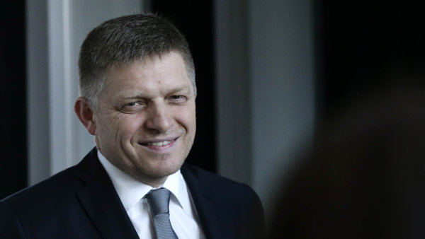 Robert Fico, slovensk� premi�r a v�t�z ned�vn�ch voleb.