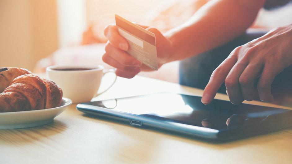Cena při platbě kartou se může i hodně lišit.