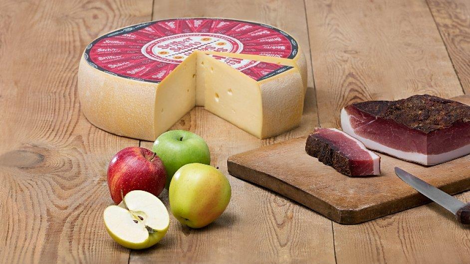 Jihotyrolské delikatesy - špek, jablka a sýr Stelvio.