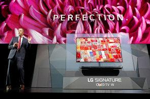 LG v Las Vegas ukázalo notebook s výdrží 21 hodin, nové OLED televize a domácího robota