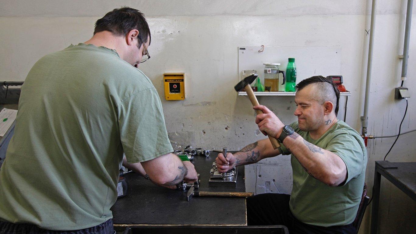 V areálu věznice Jiřice má svou výrobní halu i společnost Bilsing Automation.
