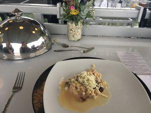 """Telecí """"Tafelspitz"""" se saké, konfitované šiitake, Fregola Sarda a květák na akci Lunch in the sky"""