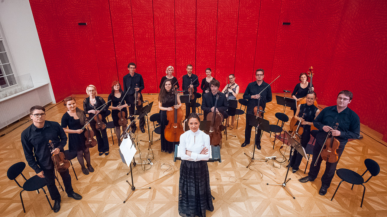 Kmenovým dirigentem Ensemble Opera Diversa, jež vznikl roku 2005, je Gabriela Tardonová.