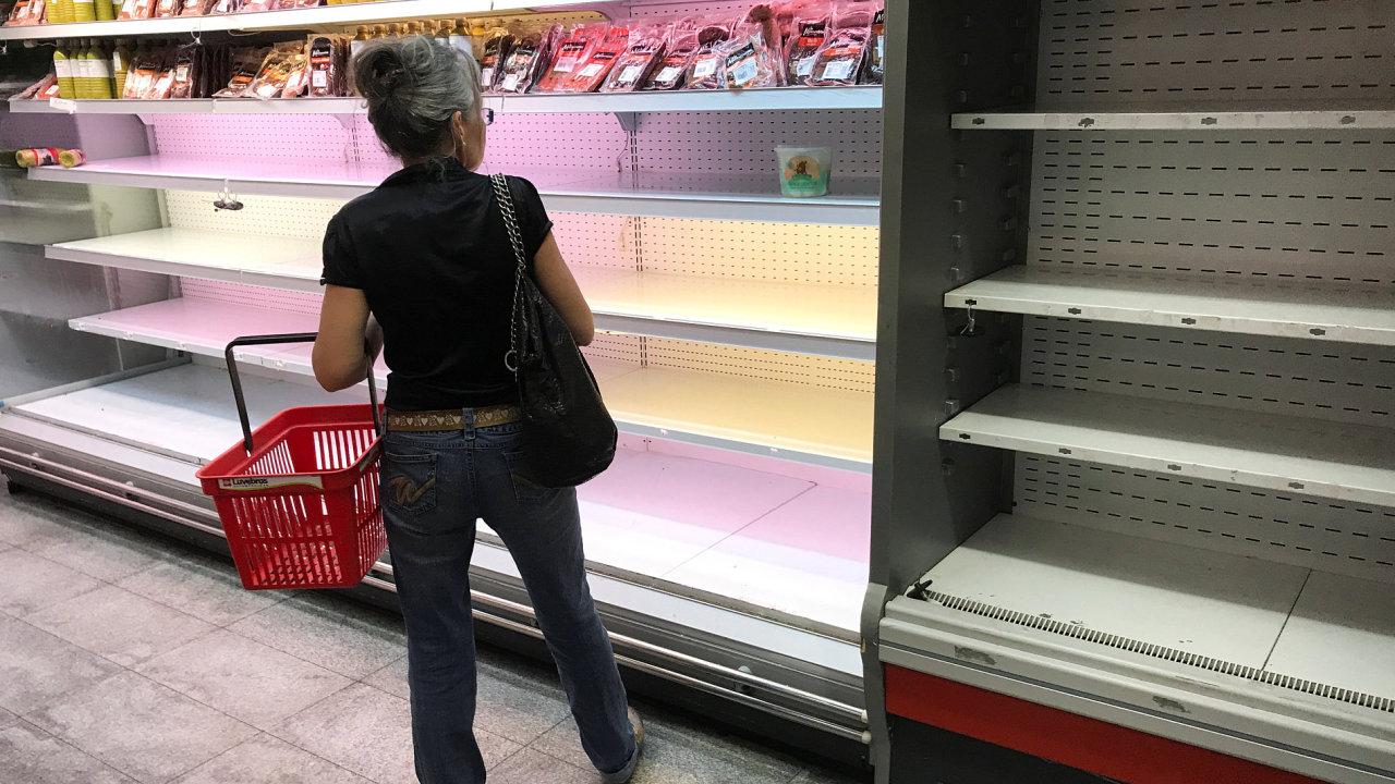 Prázdný supermarket ve Venezuele.