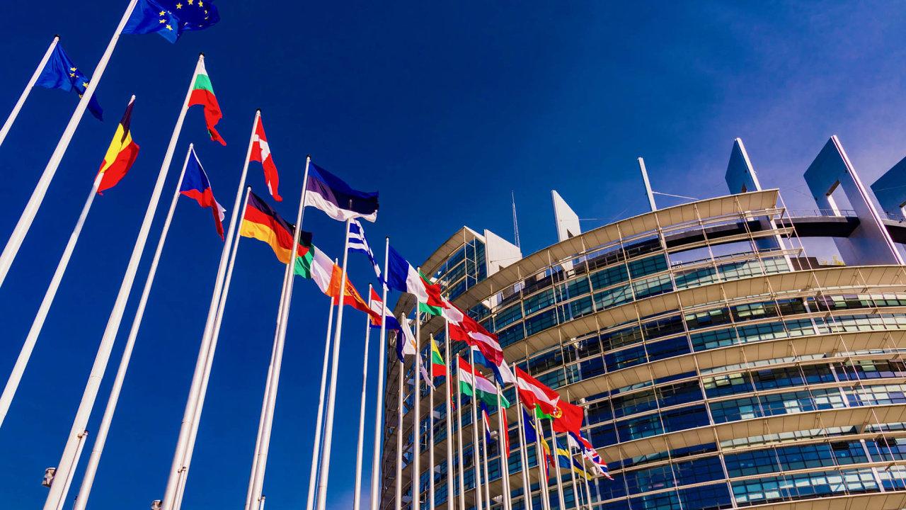 Ve čtvrtek bude Evropský parlament hlasovat o návrzích, které upravují oblast přímých daní.