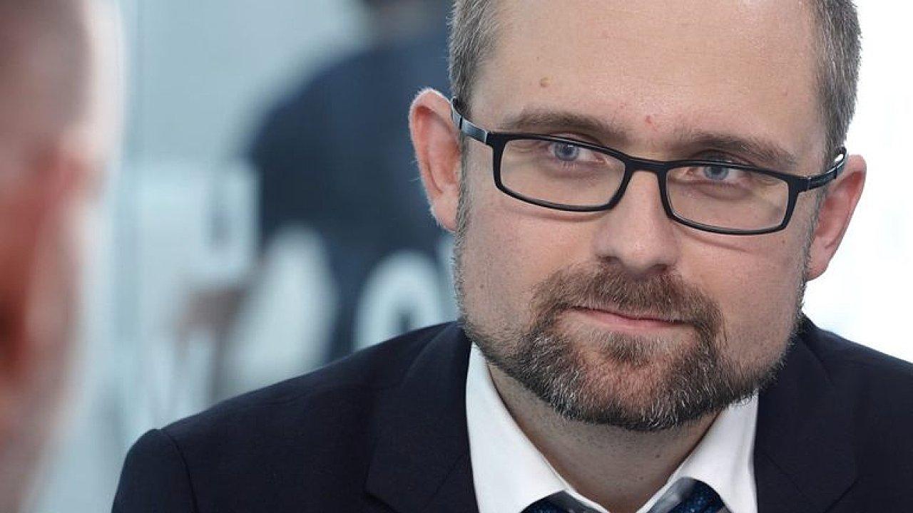 Pirát Peksa: Na ruské ambasádě slavil i Zeman, bylo to správné rozhodnutí, s Rusy musíme mluvit