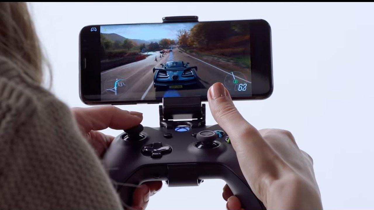 Herní služba xCloud udělá Xbox i z telefonu.