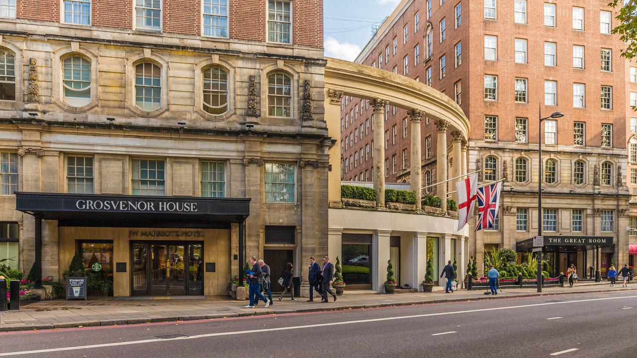 Prodaná tradice. Už i luxusní a slovutný hotel Grosvenor House v Londýně je v majetku katarské královské rodiny.