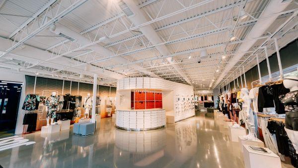 NikeLive Melrose NIKEBYMELROSE Interior Wide 1 hd 1600