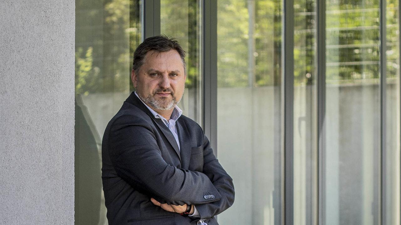 Velký kritik: Jedním zoponentů návrhů vlády je Jan Rafaj, šéf největšího poskytovatele nájemního bydlení vČesku. Firma Residomo pronajímá istovky komerčních prostorů.