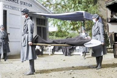 Podobně jako nakonci první světové války španělská chřipka dává idnešní pandemie munici těm, kteří volají povětší izolaci, omezení globálního obchodu ivolného pohybu osob.
