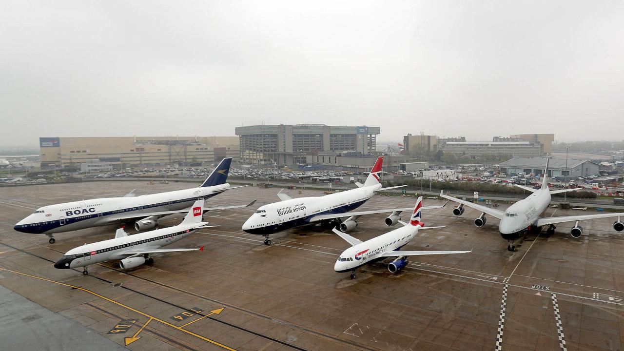 Airbus versusBoeing.