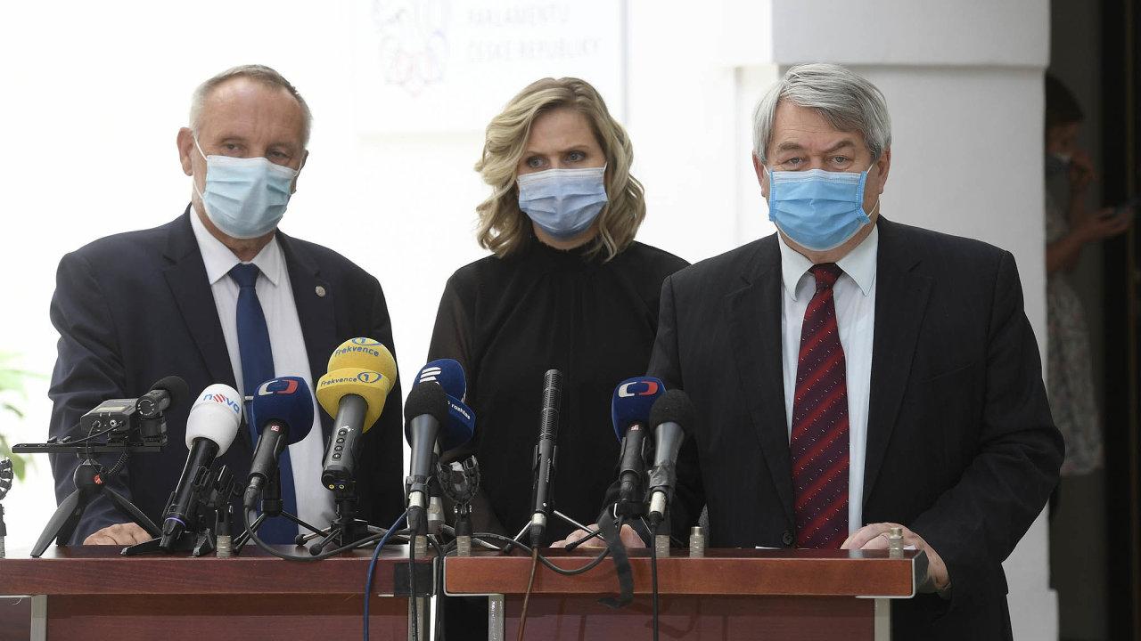 Poslankyně Aulická Jírovcová (KSČM) netušila, že svým návrhem zkomplikuje život firmám amzdovým účetním.