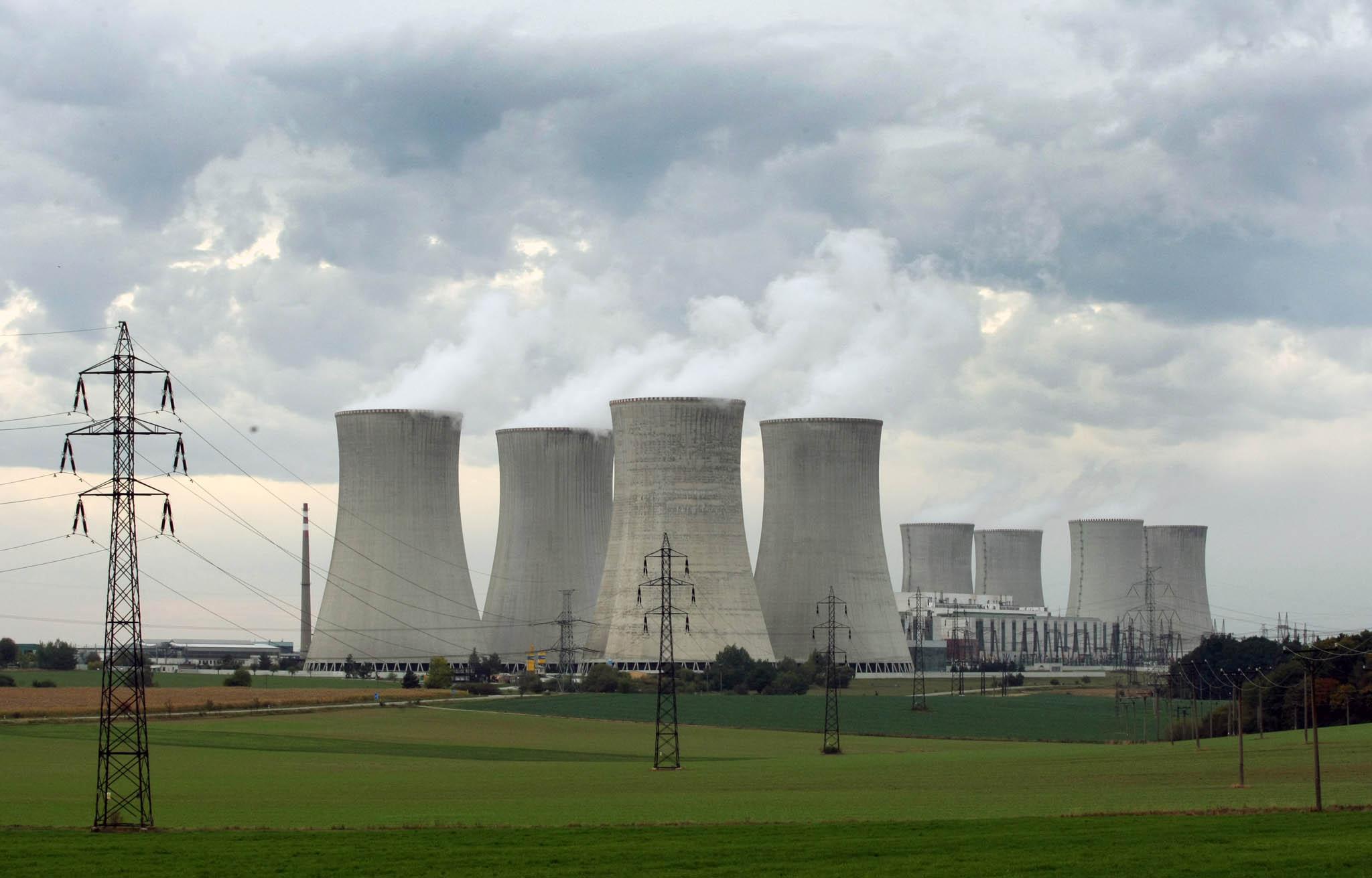 O stavbu jaderného bloku se podle dostupných informací zajímají ruský Rosatom, francouzská EDF, jihokorejská KHNP, čínská China General Nuclear Power a severoamerický Westinghouse.
