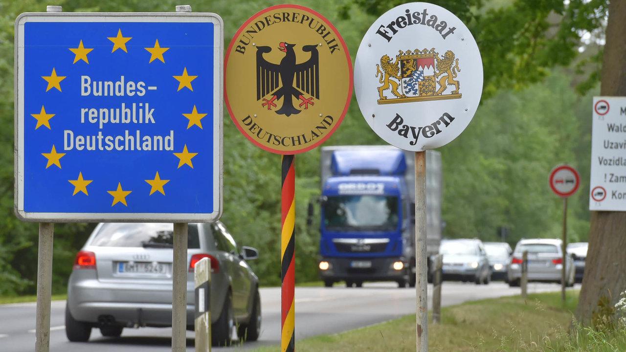 Padesát šest tisíc pendlerů podle Eurostatu míří každý den doNěmecka zaprací avečer se zase vrací doČeska.