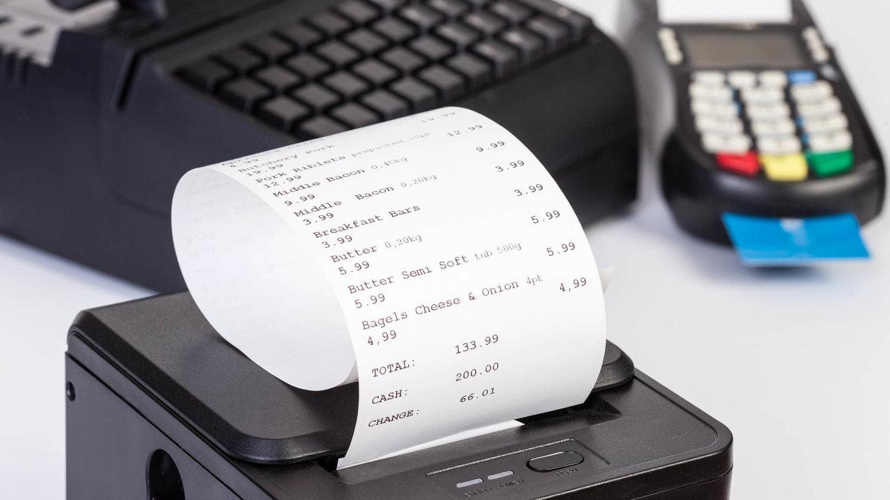 Některé obchody se zabývají tím, jak papírové účtenky zkrátit nebo se jim zcela vyhnout.