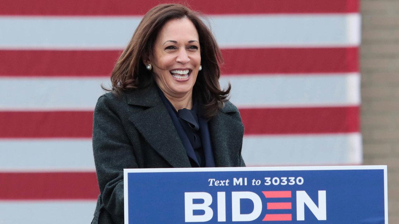 Viceprezidentka s ambicemi. Kamala Harrisová si dělá prezidentské vyhlídky. Jako viceprezidentka Joea Bidena má jedinečnou příležitost poznat zblízka, co by ji čekalo.