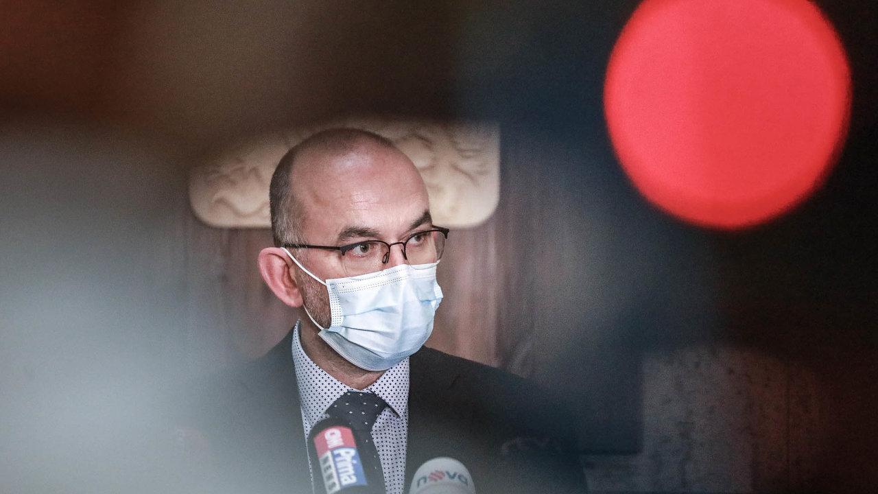 Česko nasmlouvalo dodávky vakcín, aby se do konce srpna či začátku září proočkovalo 8 milionů lidí, řekl Blatný.
