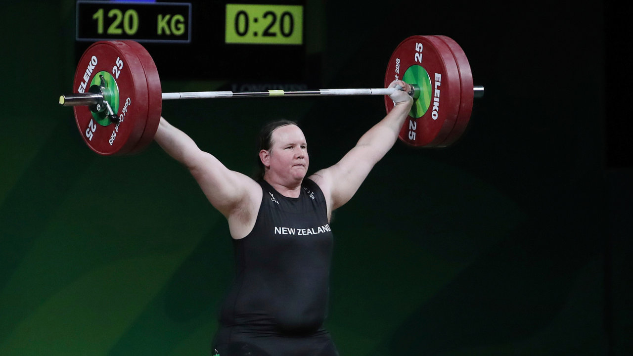 Laurel Hubbardová se chystá na olympiádu doTokia. Dříve soupeřila s muži, nyní se utká se ženami.
