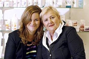 Ředitelka firmy Ryor Eva Štěpánková s dcerou Janou.