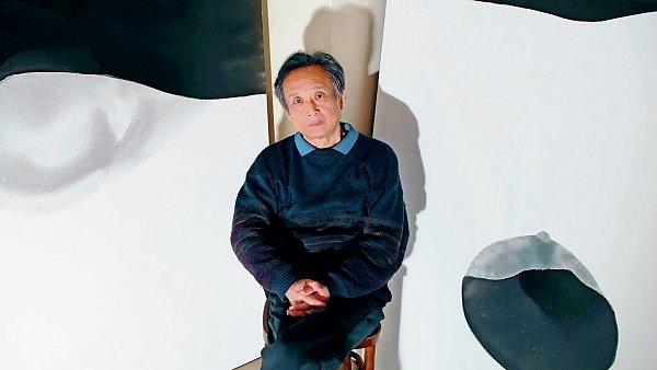 Gao Xingjian zdaleka není jen spisovatelem. V Číně byl průkopníkem absurdního dramatu, soustavně se věnuje také avantgardnímu filmu a malbě.
