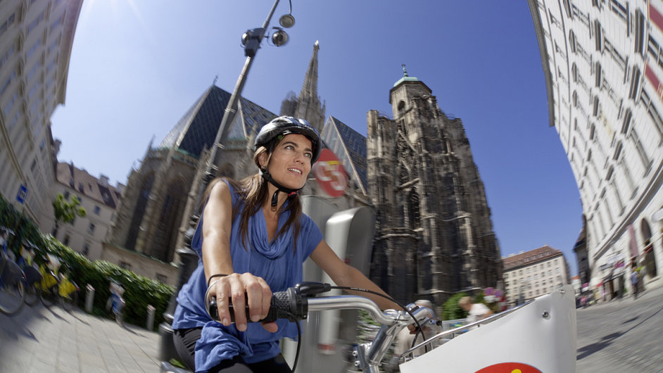 Na kole kolem katedrály svatého Štěpána