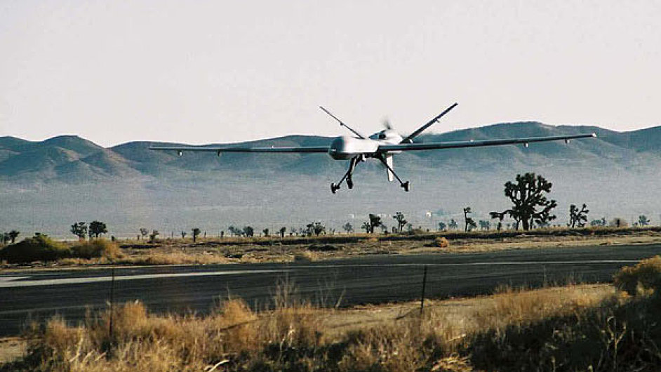 Bezpilotní letadlo dron