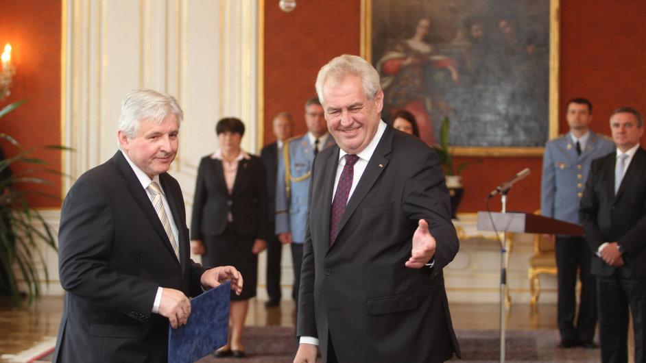 Jiří Rusnok při jmenování prezidentem Zemanem