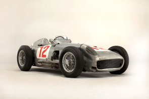 Letošní rekordy automobilových aukcí: Mercedes i Ferrari stály přes půl miliardy