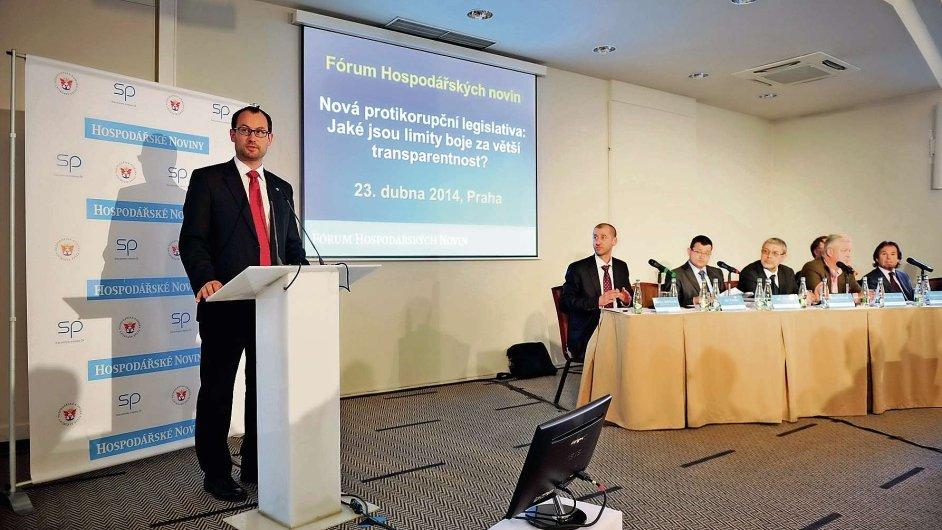 Fórum HN, které se včera konalo v pražském hotelu Jalta, se věnovalo povinnému zveřejňování smluv na internetu.