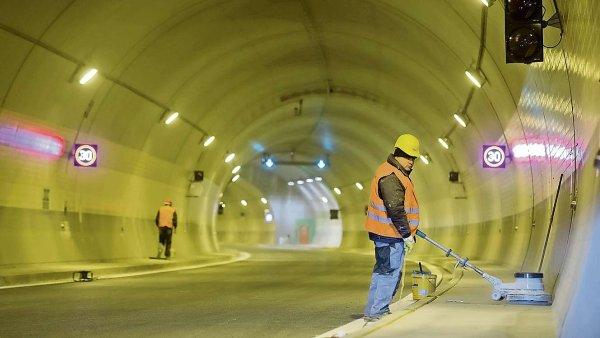 Tunel Blanka: Pr�ce na komplexu n�kolik m�s�c� st�ly kv�li arbitr�i s Metrostavem. Te� se chyst� dal�� s firmou IDS.