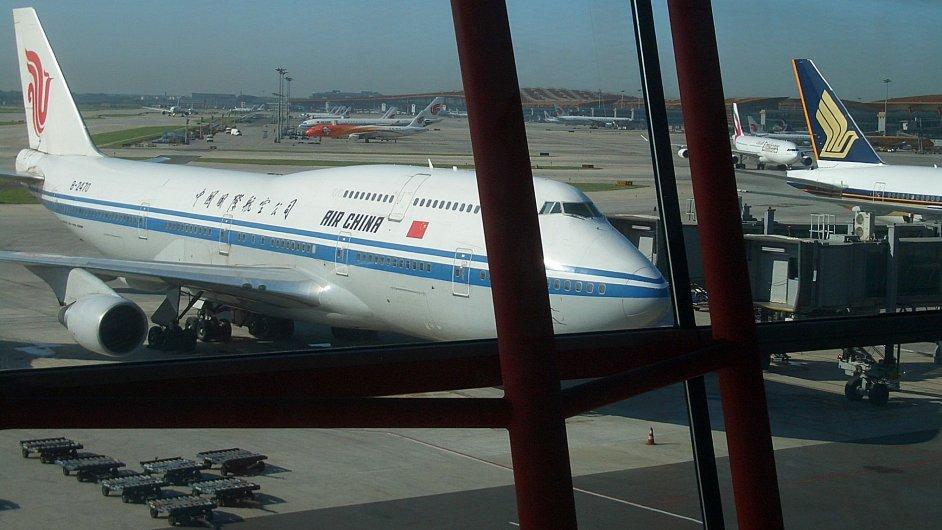 Letadlo na pekingském letišti