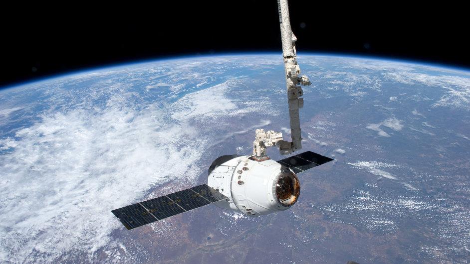 Kosmická loď Dragon společnosti SpaceX