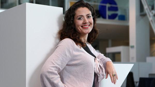 Julie Hrstková.