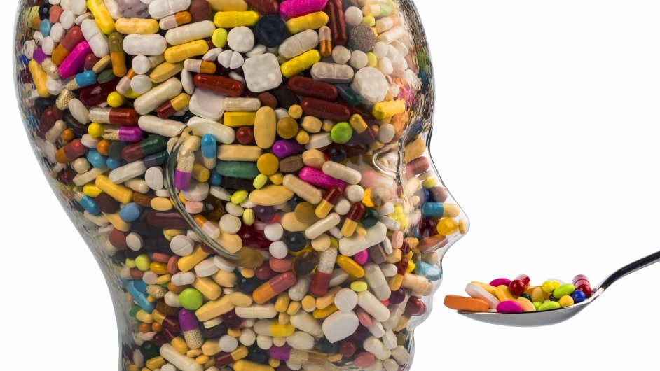 """Tlumivé medikamenty představují obrovské riziko zejména kvůli hojnosti jejich zneužívání zdánlivě """"zdravou"""" částí populace.  (ilustr. foto)"""
