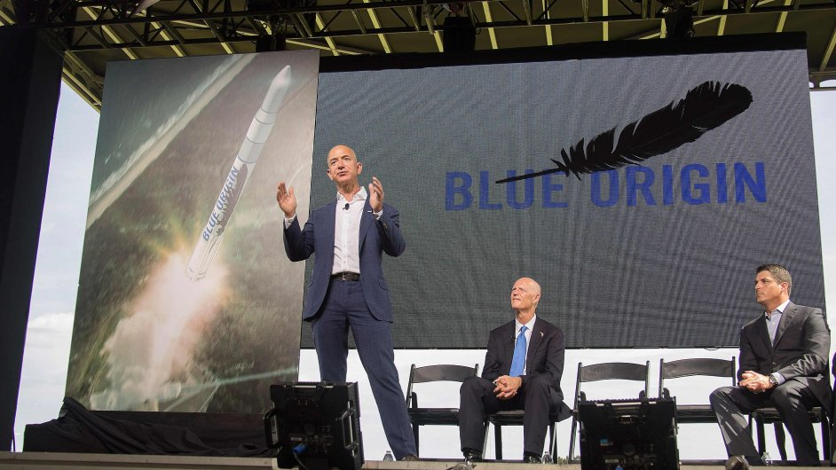 Zakladatel Amazonu Jeff Bezos představil svou společnost Blue Origin, která by měla vyvíjet rakety ke komerčním letům do vesmíru.