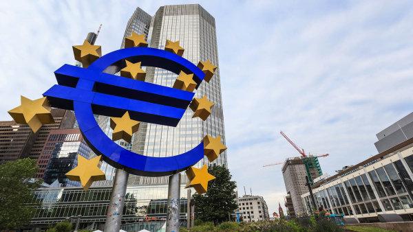 Banky v eurozóně zvládají nízké úrokové sazby - Ilustrační foto.