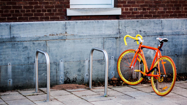 Bikesharing umožňuje jednoduchou, stylovou a zdravou přepravu po městě - Ilustrační foto.