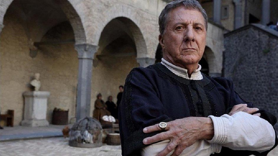 Hvězdou seriálu Medici: Masters of Florence je osmasedmdesátiletý Dustin Hoffman (na snímku).