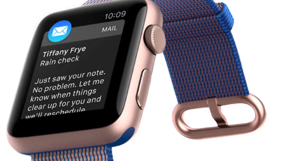 Apple Watch se rychle staly nejprodávanější značkou chytrých hodinek, ale proti původním odhadům je zájem oně asi čtvrtinový.