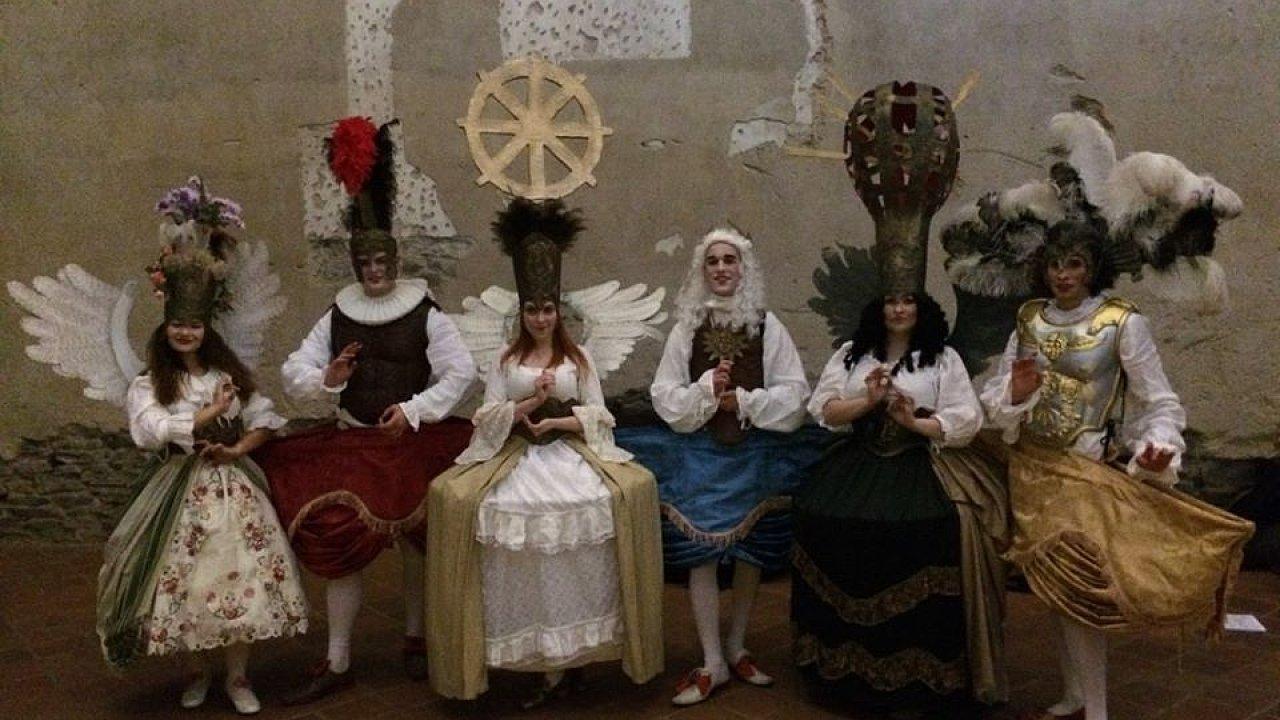 Úterní představení La contesa de' numi - tedy Spor bohů - na světlo po více než čtvrt tisícíletí vytáhlo slavnostní serenatu italského skladatele Leonarda Vinciho.