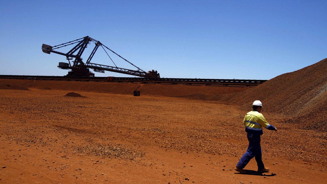 Těžba železné rudy v Austrálii.