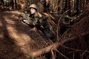 Drsňáci z Commandos: Vojenský letní tábor je lepší než počítačová hra, shodují se kluci, kteří na Vysočině trénují útok