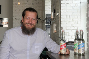 Pánský holič z Uherského Hradiště oživuje výrobu