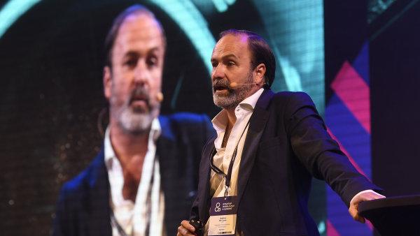 Andres De León z Hyperloop Transportation Technologies vystoupil 17. října v Praze na mezinárodní konferenci Startup World Cup & Summit.
