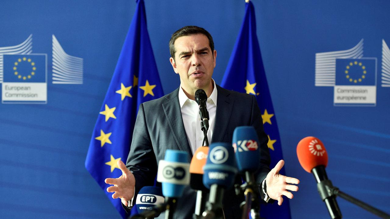 Tsipras řekl, že by mu návraty migrantů z německých hranic nevadily, pokud by věc vyslala zároveň signál převáděčům, že se Evropa migračními toky zabývá.