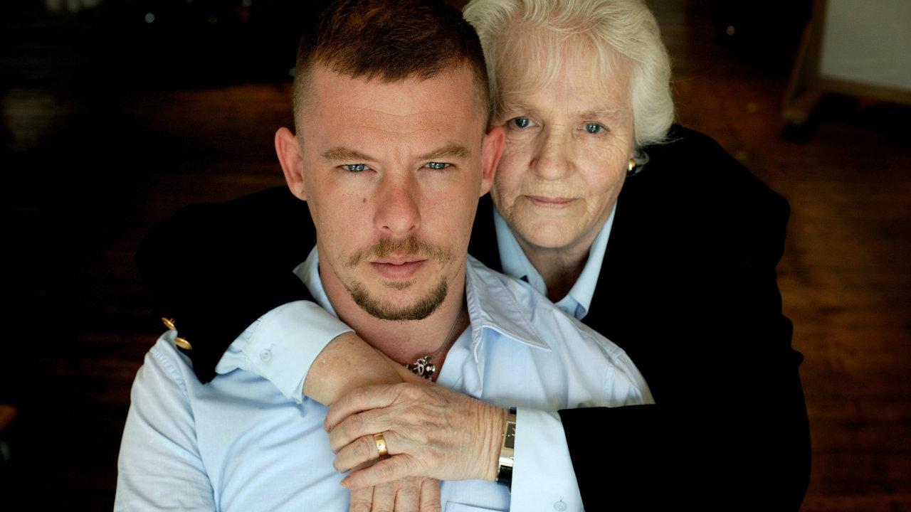 Alexander McQueen s matkou Joyce