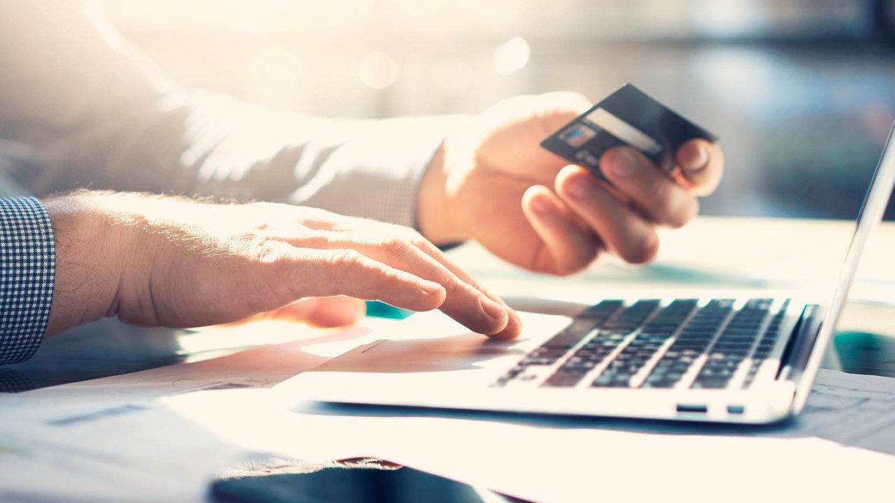 Banky vylepšují nejen samotné produkty, ale také služby klientům.