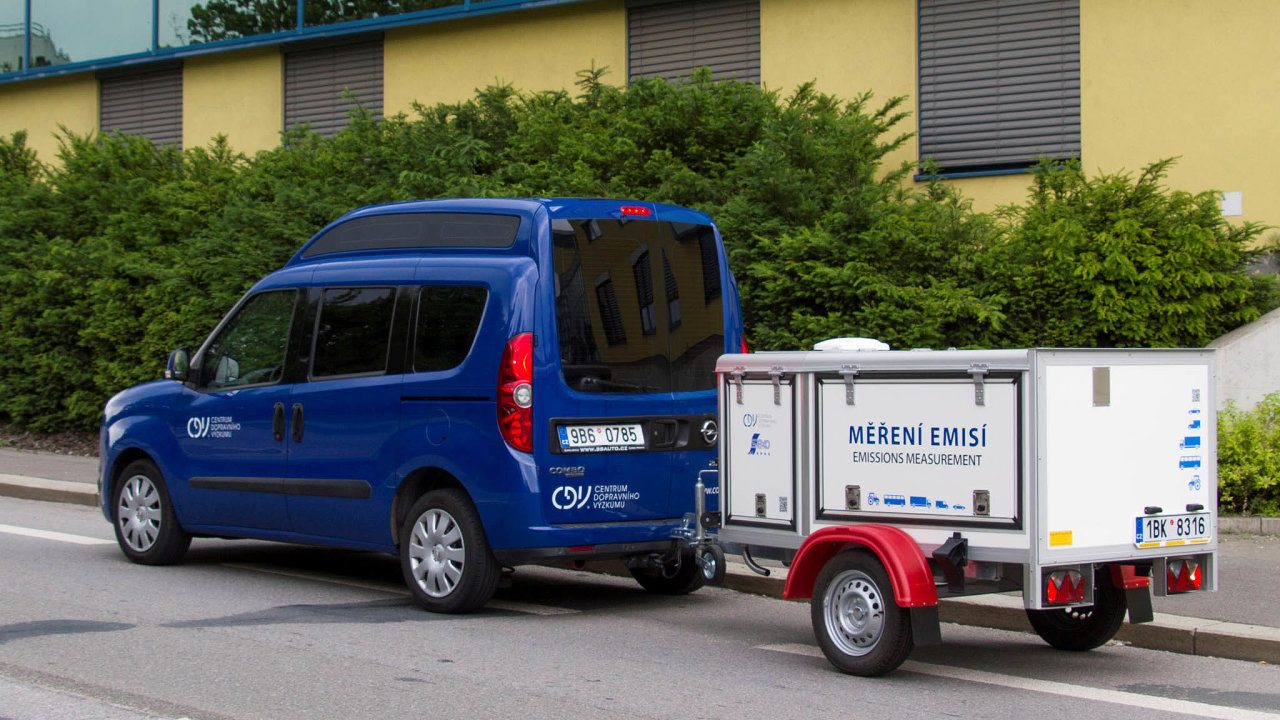 Mobilní laboratoř naměření emisí dokáže zcela přesně změřit emise aut při reálném provozu, ne jen vlaboratorních podmínkách.