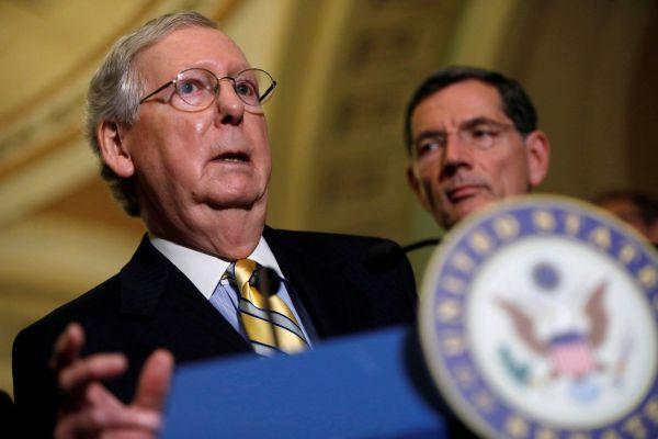 """""""Nyní je bohužel zjevné, že úsilí o zrušení aokamžité nahrazení nefunkční Obamacare nebylo úspěšné,"""" konstatoval vůdce republikánské většiny vSenátu Mitch McConnell."""